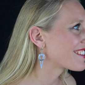 """Boucles d'oreilles fantaisie """"Ikita - Féminité"""" en métal argenté"""