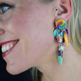 """Boucles d'oreilles fantaisie """"Ikita - Festival"""" en résine, perles et nacre"""