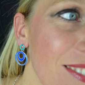 """Boucles d'oreilles fantaisie """"Ikita - Circles"""" en métal argenté et émail"""
