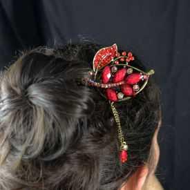 """Pic à cheveux """"Feuille"""" en métal doré vieilli, résine et strass"""