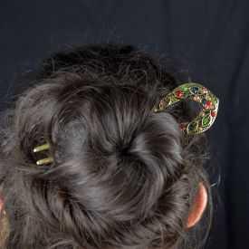 """Pic à cheveux """"Taj Mahal"""" en métal doré vieilli et strass"""