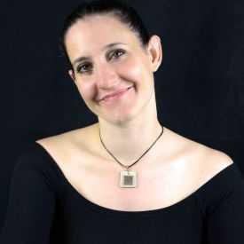 """Collier """"Christine Alloing - Cubik"""" en laiton et céramique"""