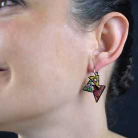 """Boucles d'oreilles """"Le Loup Garou - Triangles"""" en métal argenté peint"""