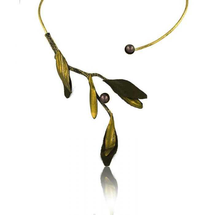 "Collier ""Opus 4 - Athéna"" en métal doré vieilli, perle et tissu"