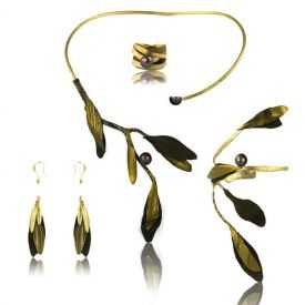 """Parure """"Opus 4 - Athéna"""" en métal doré vieilli, perle et cuir"""