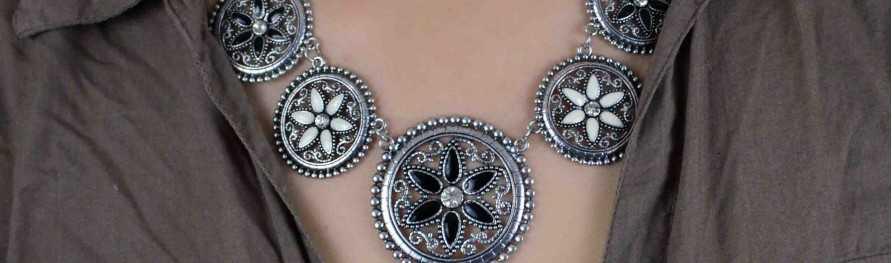 Bijoux fantaisie pas cher, colliers et sautoirs en métal | Les Bijoux de Camille